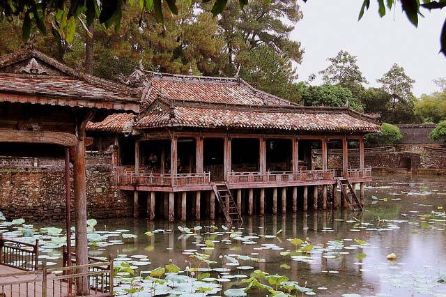 Tu-Duc-Tomb-in-Hue