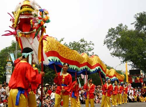 Festival in Vietnamese