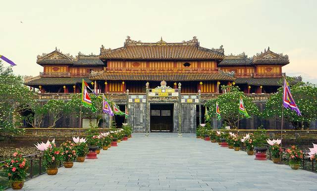 Ngo-Mon-Gate-at-Hue-Citadel