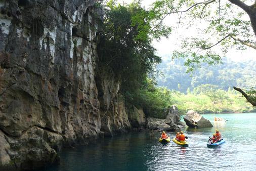 Kayak Chay River